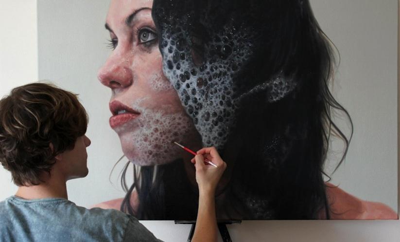 KYLE BARNES pintando