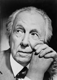 Frank_Lloyd_Wright_portrait-p
